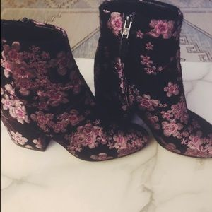 bedae9dd6 Women s Sam Edelman Floral Boots on Poshmark